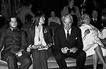 CHRISTIAN E VITTORIO DE SICA CON ELSA MARTINELLI E MARIA MERCADER<br /> SERATA TEATRO CARLINO PER PREMIAZIONE VITTORIO DE SICA ROMA 1970