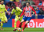 Sime Vrsaljko (R) of Atletico de Madrid fights for the ball with Amath Ndiaye Diedhiou of Getafe CF during the La Liga 2017-18 match between Atletico de Madrid and Getafe CF at Wanda Metropolitano on January 06 2018 in Madrid, Spain. Photo by Diego Gonzalez / Power Sport Images