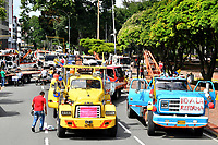 CALI - COLOMBIA, 03-05-2021: Los transportadores y taxistas de la ciudad de Cali realizaron caravanas hoy, 03 mayo de 2021, durante el quinto día de Paro Nacional convocado por la reforma tributaria y de la salud que adelanta el gobierno de Ivan Duque además de la precaria situación social y económica que vive Colombia. El paro fue convocado por sindicatos, organizaciones sociales, estudiantes y la oposición y sumando el día del trabajo lleva 5 días de marchas y protestas/ The transporters and taxi drivers of the city of Cali made caravans today, May 03, 2021, during the fifth day of of the National Strike called by the tax and health reform carried out by the government of Ivan Duque in addition to the precarious social and economic situation that Colombia is experiencing. The strike was called by unions, social organizations, students and the opposition and adding the day of labor has been 5 days of marches and protests. Photo: VizzorImage / Nelson Rios / Cont