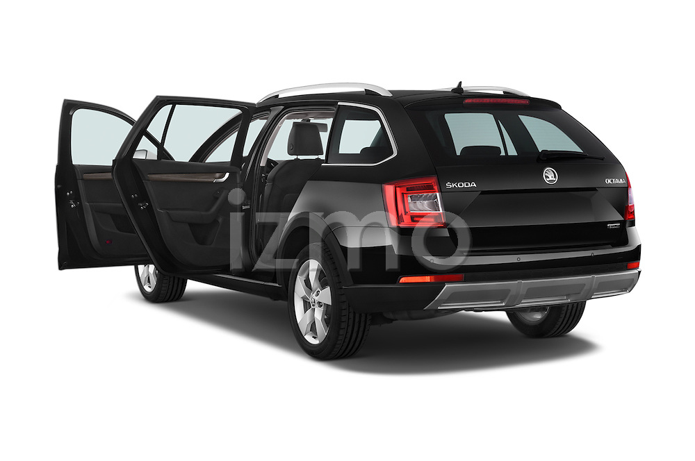 Car images of a 2015 Skoda Octavia Scout 5 Door Wagon Doors