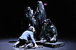 SYLPHIDES....Auteur : BENGOLEA Cecilia CHAIGNAUD..Choregraphie : BENGOLEA Cecilia CHAIGNAUD..Decor : BENGOLEA Cecilia..Lumiere : HOULLIER Erik..Avec :..BENGOLEA Cecilia..CHAIGNAUD Francois..HAGDAHL Emma Kim..Lieu : Salle de Repetition..Ville : Brest..Le : 23 02 2009..© Laurent PAILLIER www.photosdedanse.com
