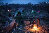 Flüchtlinge im überfüllten Flüchtlingslager in Idomeni an der griechisch mazedonischen Grenze am 04 und 05.März  / Refugees stuck in Greece at the Border