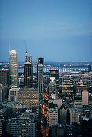 Montreal vu du Mont-Royal a la tombée du jour