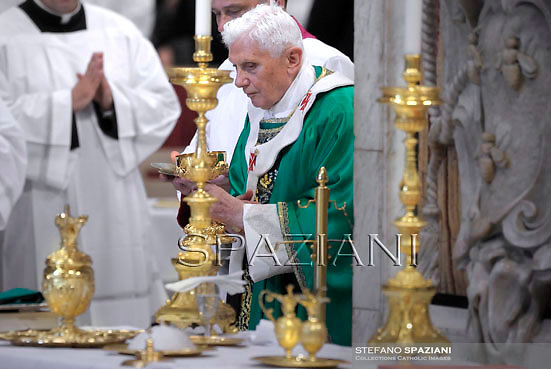 Pope Benedict XVI leads a mass at the end of a synod on October 28, 2012
