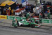 #29: James Hinchcliffe, Andretti Steinbrenner Autosport Honda, pit stop