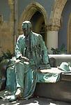 HUN, Ungarn, Budapest, Stadtteil Pest: im Stadtwaeldchen: Denkmal des Grafen Karolyi Sándor | HUN, Hungary, Budapest, Pest District: Earl Karolyi Sándor, bronze statue at Városliget Park