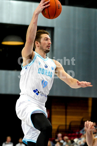 GRONINGEN - FIBA Basketbal-bubbel. Donar - Allianz Swans Gmunden seizoen 2021-2022, 29-09-2021,  Donar speler Willem Brandwijk