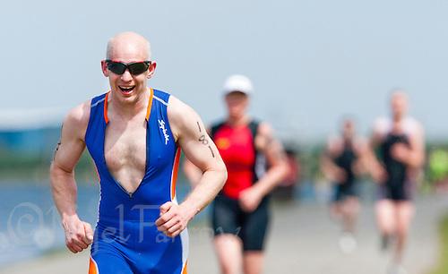 14 MAY 2010 - HOLME PIERREPONT, GBR - Darren Wallis - VUE National Emergency Services Triathlon Championships .(PHOTO (C) NIGEL FARROW)