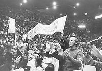 Rassemblement du Front Commun au Forum de Montreal le 7 mars 1972.<br /> <br /> PHOTO :  Michel Giroux<br />  - CSN