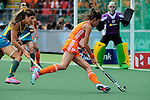 The Hague, Netherlands, June 14: Naomi van As #18 of The Netherlands dribbles the ball during the field hockey gold medal match (Women) between Australia and The Netherlands on June 14, 2014 during the World Cup 2014 at Kyocera Stadium in The Hague, Netherlands. Final score 2-0 (2-0)  (Photo by Dirk Markgraf / www.265-images.com) *** Local caption ***