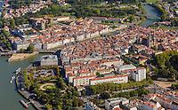 France, Aquitaine, Pyrénées-Atlantiques, Pays Basque, Bayonne: Confluent de l'Adour et de la Nive - vue aérienne // France, Pyrenees Atlantiques, Basque Country, Bayonne: Confluence betwenn Adour and Nive  - Aerial view