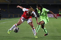 BOGOTÁ - COLOMBIA, 21-03-2018:Melissa Herrera  (Izq.) jugadora del Independiente Santa Fe  disputa el balón con Milena Torres (Der.) jugadora de La Equidad durante partido por  la cuarta Fecha de Liga Aguila Femenina 2018 jugado en el estadio Nemesio Camacho El Campín de la ciudad de Bogotá. / Melissa Herrera  (L) player of Independiente Santa Fe fights for the ball with Milena Torres (R) player of Equidad during the match for the date 4 of the Women's Aguila  League 2018 played at the Nemesio Camacho El Campin Stadium in Bogota city. Photo: VizzorImage / Felipe Caicedo / Staff.