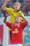 31.10.2010, Bruchwegstadion, Mainz, GER, 1. FBL, FSV Mainz 05 vs BVB Borussia Dortmund, im Bild Sven Bender (Dortmund #22) im Kopfballduell mit Lewis HOLTBY (Mainz GER #18),Foto © nph / Roth