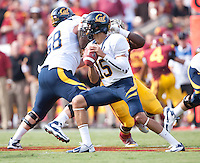 September 22, 2012: California's Zach Maynard in action during a game against USC at the Los Angeles Memorial Coliseum, Los Angeles, Ca  USC defeated California 27- 9