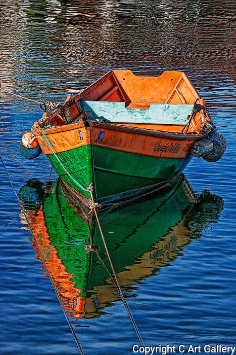 Boats in water, Rowboats of Newport Beach,California. Photo by Alan Mahood.
