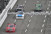 #15: Tanner Gray, DGR-Crosley, Toyota Tundra Valvoline / Durst, #12: Gus Dean, Young's Motorsports, Chevrolet Silverado Mid-Atlantic Wrecker Service