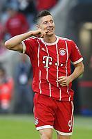 of  Robert Lewandowski #9 (FC Bayern Muenchen)  4:0, FC Bayern Muenchen vs. SC Freiburg, Football, 1.Bundesliga, 14.10.2017 *** Local Caption *** © pixathlon<br /> Contact: +49-40-22 63 02 60 , info@pixathlon.de