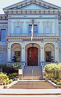 Sacramento CA: Crocker Art Gallery 1883-1884. Seth Babson, Architect. The house, almost 30 years before facing N. onto O Street.