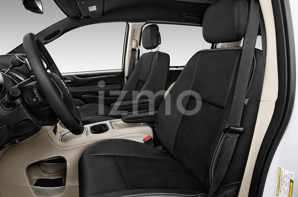 Front seat view of 2018 Dodge Grand-Caravan SXT 5 Door Minivan Front Seat  car photos