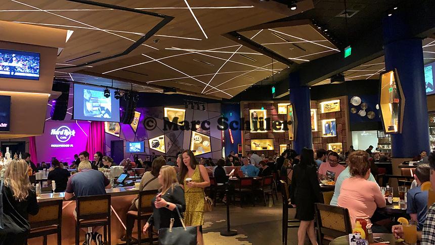 Hard Rock Cafe im Gitarren-Hotel des Hard Rock Hotels - 24.01.2020: Hard Rock Hotel & Casino, Hollywood, FL