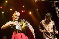 SÃO PAULO, SP, 22.07.2017- SHOW-SP -A cantora mexicana Julieta Venegas durante show com participação de Criolo, no Tom Brasil, na zona sul de São Paulo, neste sábado, 22 (Foto: Patrícia Devoraes/ Brazil Photo Press)