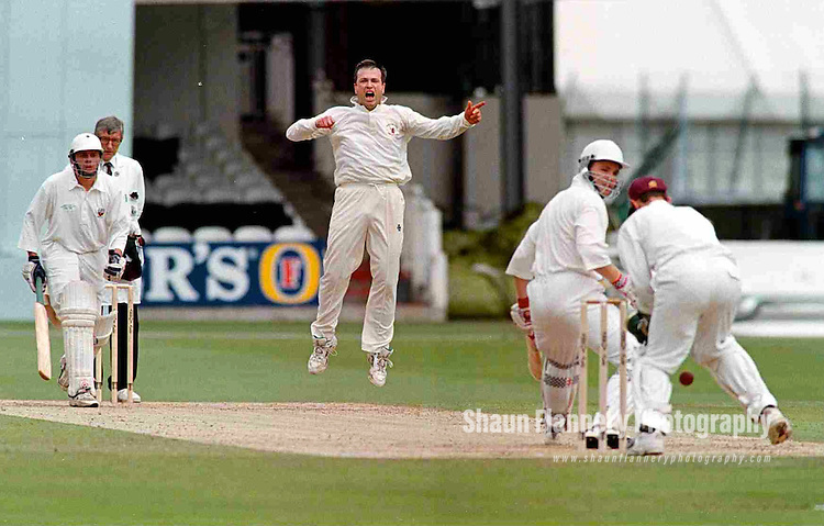 Pix: Shaun Flannery/shaunflanneryphotography.com...COPYRIGHT PICTURE>>SHAUN FLANNERY>01302-570814>>07778315553>>..28th August 1998..............Doncaster Town v Bath..Abbot Ale Cup final at Lords..Doncaster Town bowler Duncan Jones bowls a near miss to Bath's Stuart Priscott during the 1998 Abbot Ale Cup at Lords.