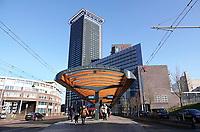 Nederland Den Haag 2020. Tramhalte bij Station Holland Spoor. Foto Berlinda van Dam / Hollandse Hoogte