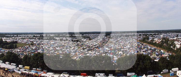 07.08.2010, Wacken Open Air 2010, Wacken, GER, 3.Tag beim 21.Heavy Metal Festival Campingzelte bis zum Horizont, Foto © nph / Kohring