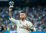 Sergio Ramos of Real Madrid holds the UEFA Defender of the Season 2017/18 award prior to the La Liga 2018-19 match between Real Madrid and CD Leganes at Estadio Santiago Bernabeu on September 01 2018 in Madrid, Spain. Photo by Diego Souto / Power Sport Images
