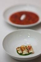 Europe/France/Provence-Alpes-Côte d'Azur/13/Bouches-du-Rhône/Marseille: Totènes et lobes d'oursins, tomate filtrée -  Recette de Gérald Passédat  chef  du restaurant : Le Petit Nice