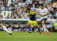 Valencia, Spain. Thursday 19 September 2013<br /> Pictured: Alejandro Pozuelo (L).<br /> Re: UEFA Europa League game against Valencia C.F v Swansea City FC, at the Estadio Mestalla, Spain,