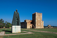 Denkmal von G-F Oviedo und Torre del Homenaje in der Fortaleza Ozama in Santo DomingoZigarrenherstellung in Santo Domingo