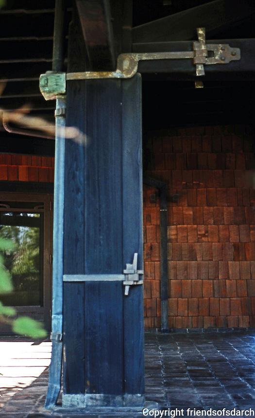 Greene & Greene: Blacker House 1907. Detail.  Photo '78.