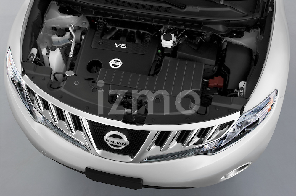 High angle engine view of a 2009 Nissan Murano