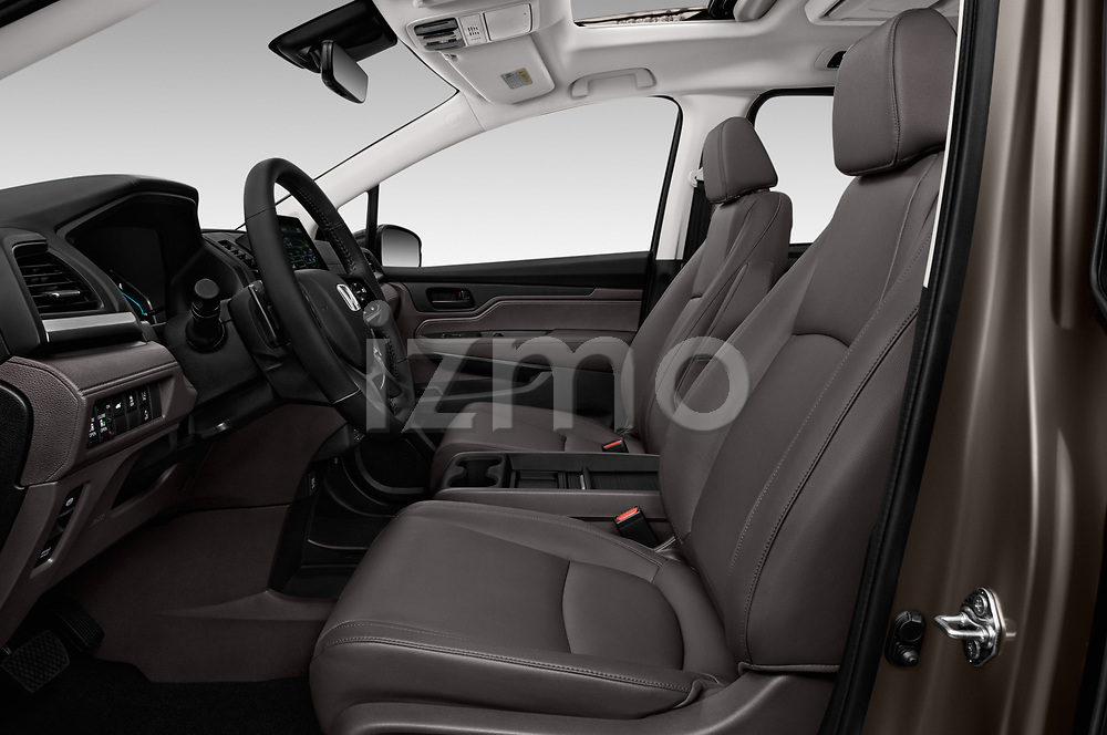 Front seat view of a 2018 Honda Odyssey EX-L 5 Door Mini Van front seat car photos