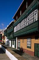 Spanien, Kanarische Inseln, La Palma,  Santa Cruz, Avenida Maritima, Häuser aus dem 16.Jh