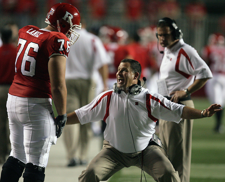 SPORTS.44475.ON FRI. SEPT 7,2007.MARK R. SULLIVAN/CHIEF PHOTOGRAPHER.. Rutgers head football coach Greg Schiano (right) has a few words with # 76-Mo Lange   as time runs out on a 41-24 Rutgers victory vs Navy at Rutgers Stadium in Piscataway.SPORTS.44475.ON FRI. SEPT 7,2007.MARK R. SULLIVAN/CHIEF PHOTOGRAPHER.. Rutgers head football coach Greg Schiano (right) has a few words with # 76-Mo Lange   as time runs out on a 41-24 Rutgers victory vs Navy at Rutgers Stadium in Piscataway.