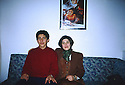 Turkey 1993  Leyla Zana and her son Ronahi in Ankara  Turquie 1993 Leyla Zana et son fils Ronahi a Ankara