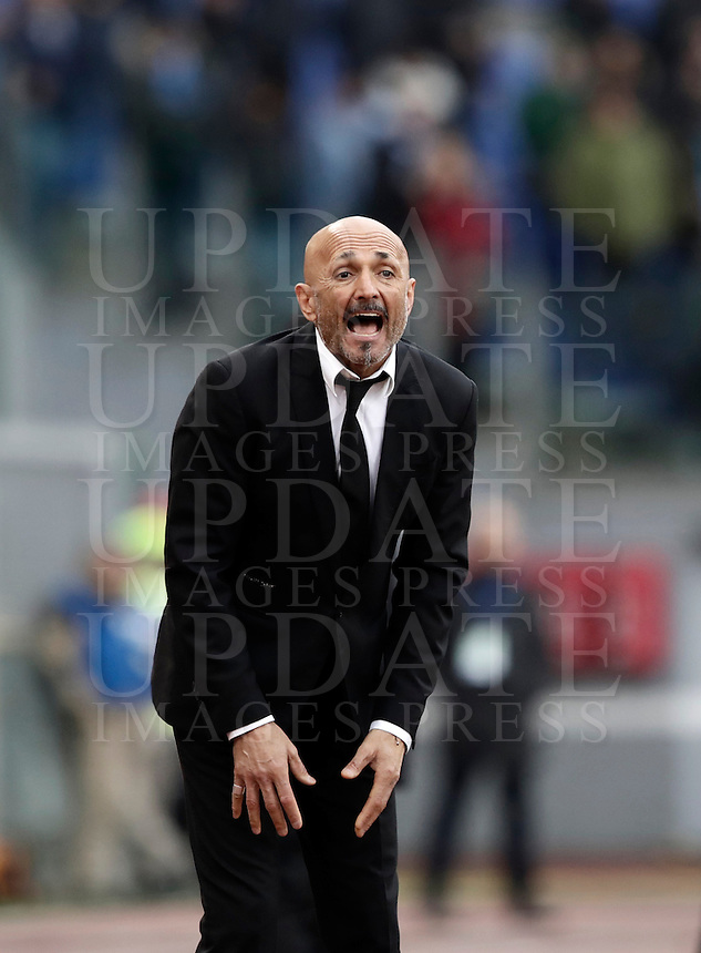 Roma's coach Luciano Spalletti shouts to his players during the Italian Serie A football match between Roma and Napoli at Rome's Olympic stadium, 4 March 2017. <br /> UPDATE IMAGES PRESS/Isabella Bonotto