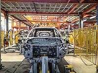 SAIPA, fabbrica automobilistica Iraniana <br /> Automotive in Teheran Interno di stabilimento automobilistico, catene di montaggio
