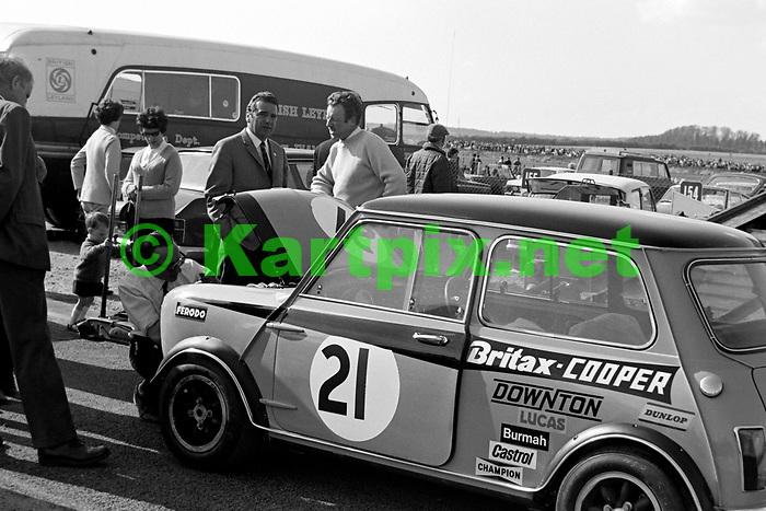 Gordon Spice's 1969 British Touring Car Mini Cooper S at Thruxton in 1969