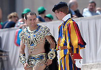 Pontifical Swiss Guard.Pope Francis during his weekly general audience in St. Peter square at the Vatican, Wednesday. 8  May 2013