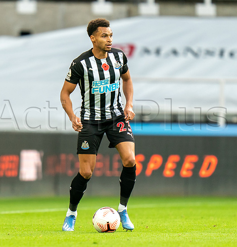 1st November 2020; St James Park, Newcastle, Tyne and Wear, England; English Premier League Football, Newcastle United versus Everton; Jacob Murphy of Newcastle United on the ball