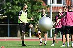 15.09.2020, Sportpark Illoshöhe, Osnabrück, GER, 2. FBL, Training VfL Osnabrueck <br /> <br /> im Bild<br /> Lukas Gugganig (VfL Osnabrück, 4)<br /> <br /> Foto © nordphoto / Paetzel