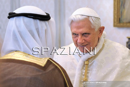 Pope Benedict XVI (R) is seen with Kuwait Sheikh Sabah Al Ahmad Al-Jaber Al-Sabah (L) during their meeting at The Vatican, 06 May 2010