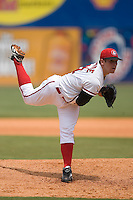 Chattanooga starting pitcher Sam LeCure (21) in action versus Mississippi at AT&T Field in Chattanooga, TN, Wednesday, July 25, 2007.