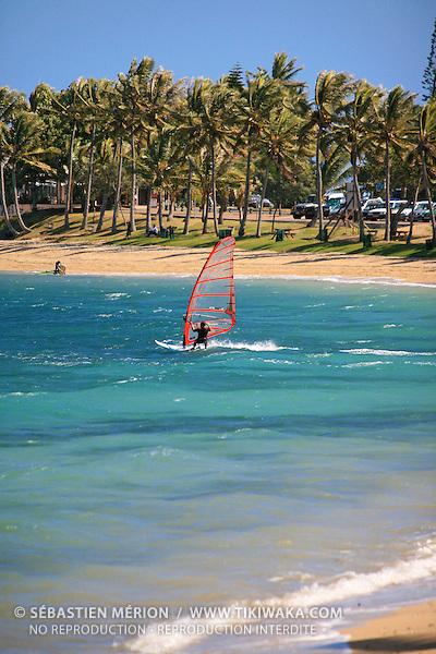 Funboard plage de l'Anse Vata, Nouméa, Nouvelle-Calédonie