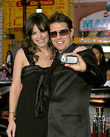Katie Holmes & Tom Cruise Arriving at the.MIssion Impossible 3 Fan Screening.Grauman's Chinese Theater.Hollywood & Highland.Los Angeles, CA.May 4, 2006.©2006 Kathy Hutchins / Hutchins Photo....