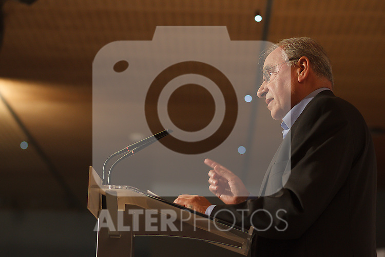 "Madrid,Spain - 16 10 2014- ""politics""-Former Spanish Socialist  Alfonso Guerra during at the 40th anniversary ceremony of the Suresnes Congress (Foto: Guillermo Martinez /Bouza Press)"