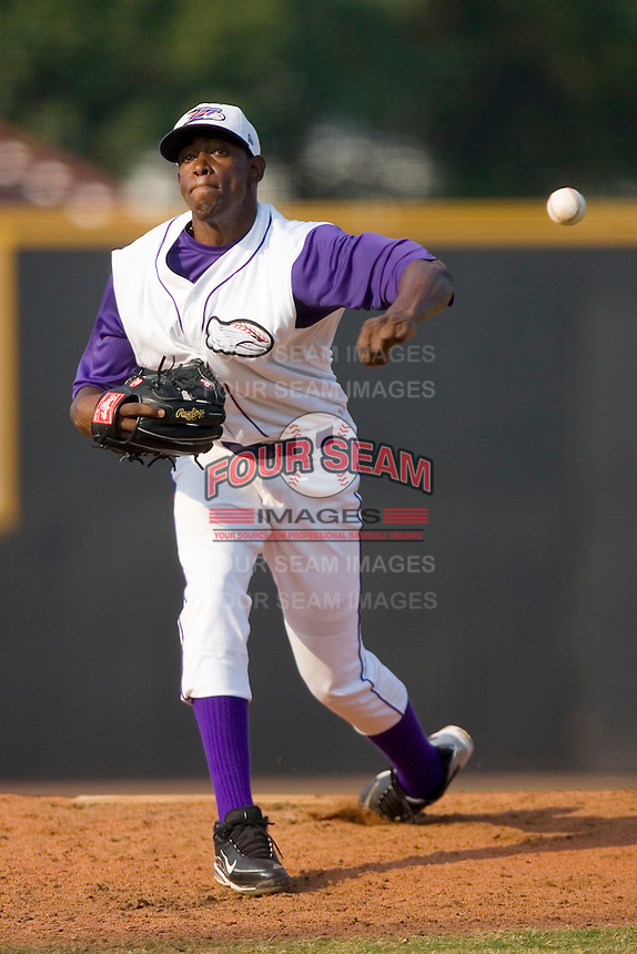 Wander Perez #38 of the Winston-Salem Dash in action versus the Frederick Keys at Wake Forest Baseball Stadium August 9, 2009 in Winston-Salem, North Carolina. (Photo by Brian Westerholt / Four Seam Images)